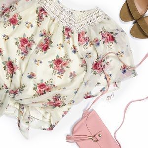 Knit works tie waist floral crop boho top 💗